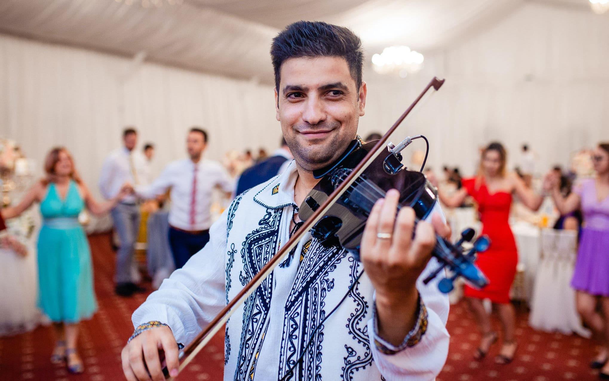 Grand Music Events instrumentist cu vioara