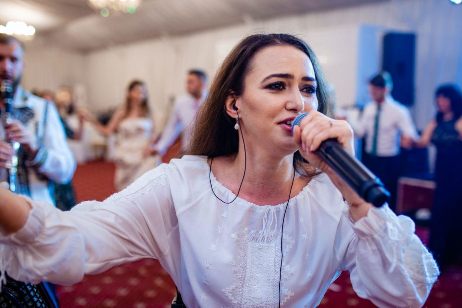 Grand Music Events Ioana Balan solista muzica populara